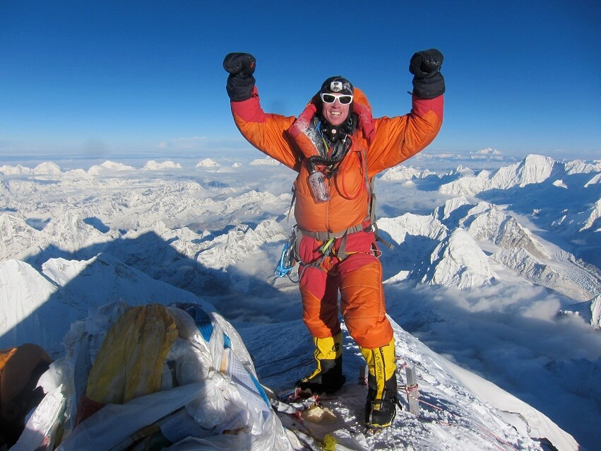 my everest expedition sandy pittman Breaking mount everest's glass ceiling sandy hill, then pittman lakpa sold her jewelry and talked her way onto a women's everest expedition.