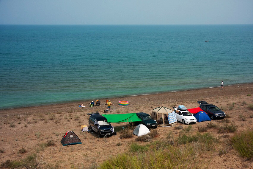 Holidaymakers on the lake in Kazakhstan